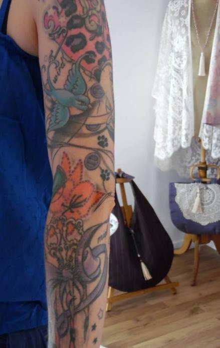 Découvrez le tatouage 100% couture d'Aglaé