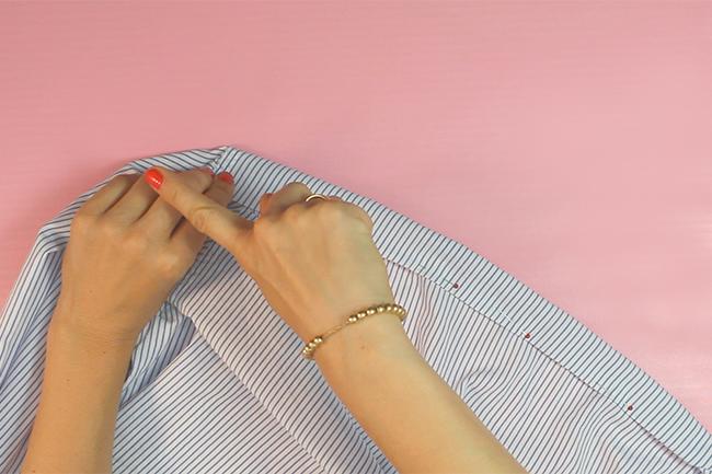 Epinglez les bords de la chemise