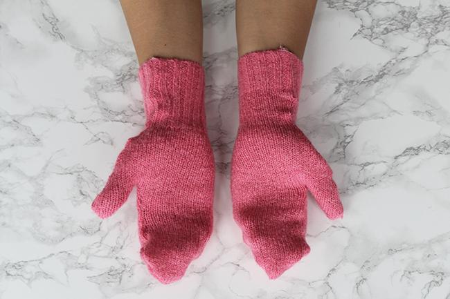 Upcycling-Handschuhe-aus-altem-Pulli-nähen-final_