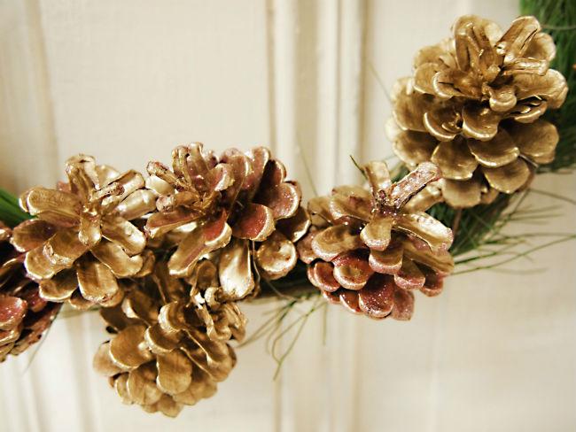 Tutoriel décoration de Noël - transformer un cercle à broder en couronne de Noël 6