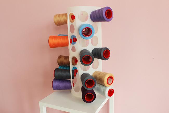 10 astuces de couture - range sacs plastiques range bobine